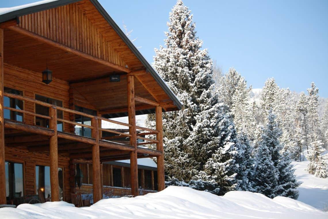Barn in Falling Snow