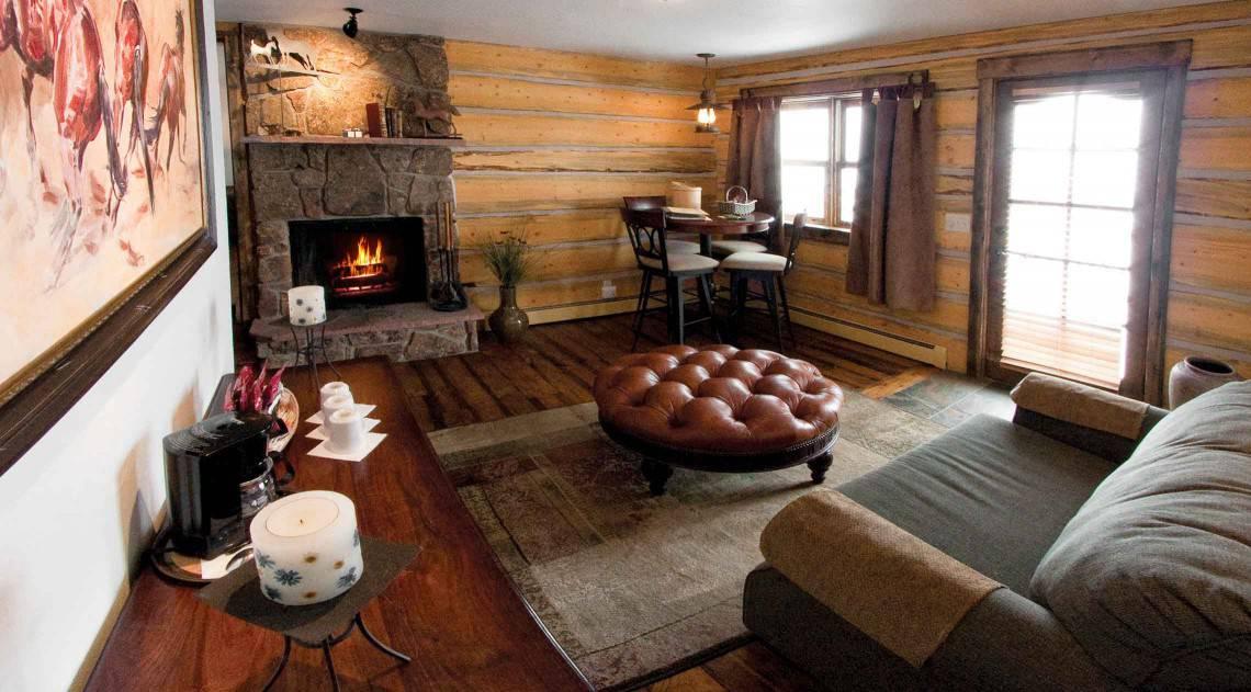 hill-mid-living-room