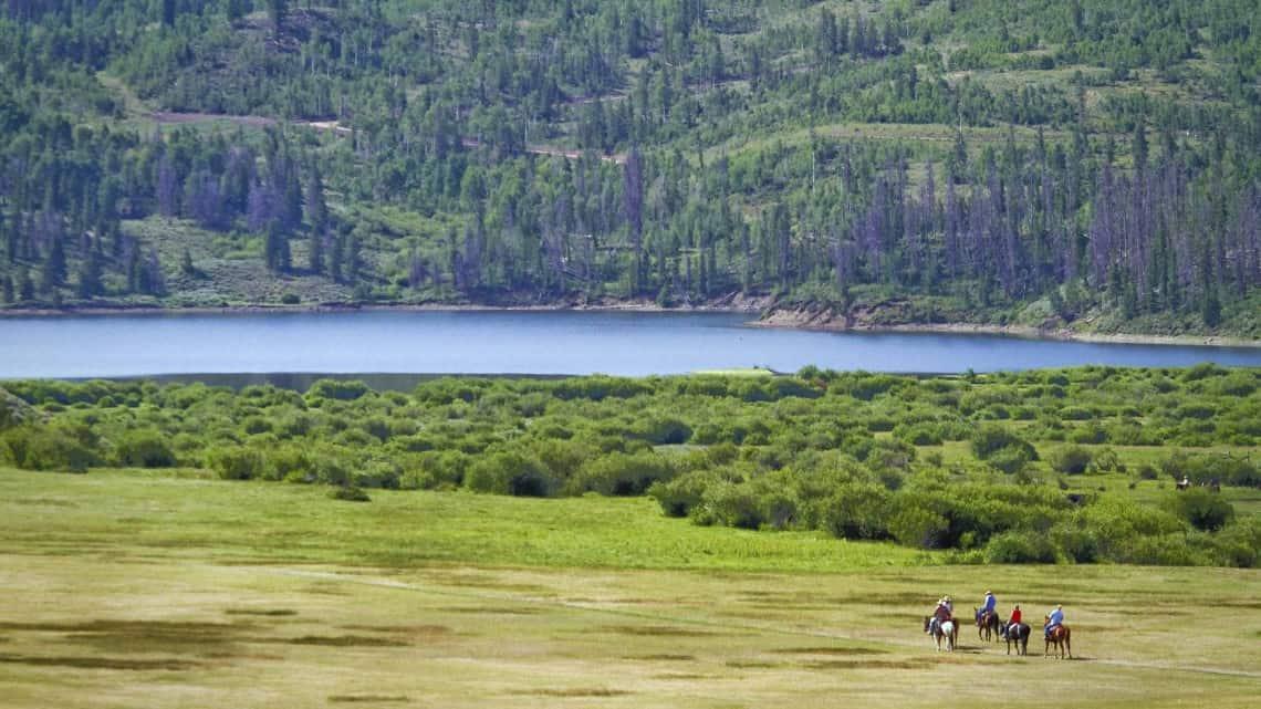 horseback-riding-tiny-people