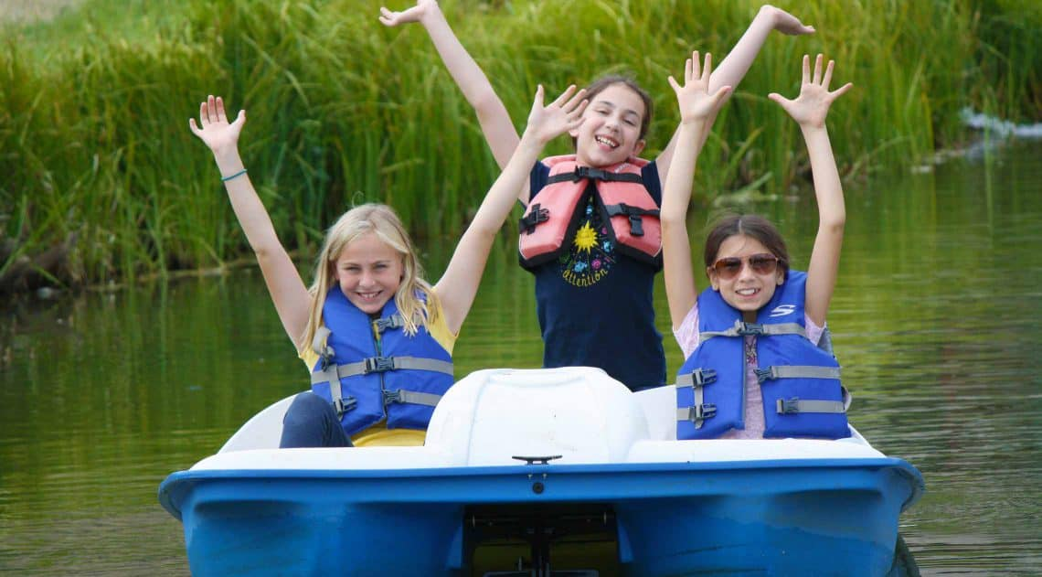 Kids on paddleboat
