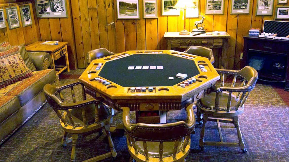poker-table-meeting-space