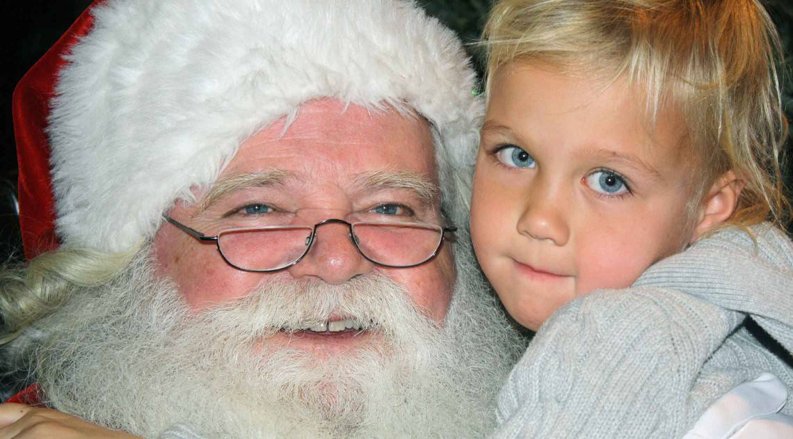 santa-with-blue-eye-boy